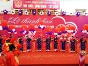 Mass wedding for 100 worker couples