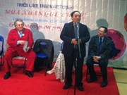 Vietnamese poems recited in France