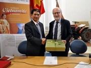 Exhibition photographs Vietnam-Italy solidarity