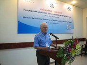 Doctors study clinical research methods in Hue