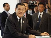 Cambodian PM opens first cabinet meeting
