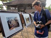Red River Delta photo exhibition opens in Ninh Binh
