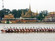 Cambodia cancels traditional boat race due to floods