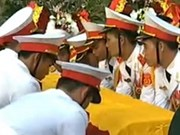 Mourners say farewell to General Giap