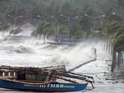 Super-typhoon Haiyan hits Philippines, kills one