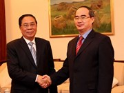 Vietnam Fatherland Front leader visits Laos