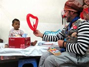 Medical clowns bring joy to young patients