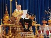 Thailand calls for peaceful solution to political crisis