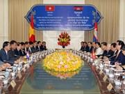Vietnamese, Cambodian PMs discuss stronger links