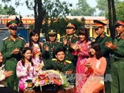 Indian military training officer visits Vietnam
