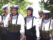 Photobook honours Truong Sa soldiers, civilians