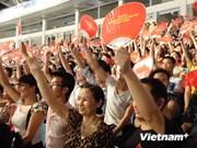 Nick Vujicic inspires Vietnamese youths again