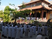 Buddhists in central localities pray for peace in East Sea