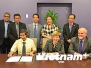 Vietnam, Canada enhance educational cooperation