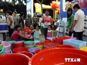 Vietnamese products trade fair opens in Hanoi