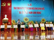 "Ben Tre grants ""Heroic Mother"" title to 405 women"
