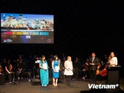 Vietnamese student awarded prize for academic excellence in Australia