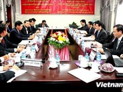 Vietnam, Laos share economic development know-how