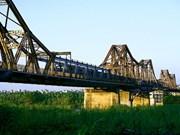 Long Bien Bridge may get a modern partner