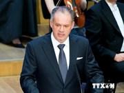 Slovakian President praises Vietnam's development achievements