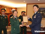 Vietnamese Chief of General Staff visits Singapore