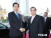 Vietnam, Laos look towards 2 billion USD trade next year