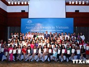 Over 160 Vietnamese citizens receive Australian scholarships