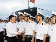 State President visits naval units in Khanh Hoa province