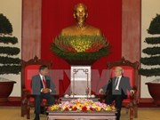 Party General Secretary Nguyen Phu Trong receives Lao guest