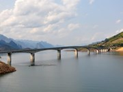 Mountainous bridge has tallest pier in Vietnam