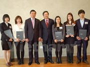 Vietnamese students in RoK receive Kumho Asiana scholarships