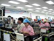 Fatherland Front leader receives Samsung Vietnam directors