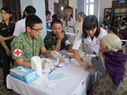 Vietnam, Singapore make joint charitable medical effort