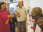Artist's sculptures recall women's war sacrifices