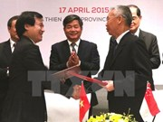 Vietnam, Singapore forge stronger economic links