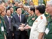 President meets war book steering board
