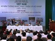 Local, foreign experts discuss Vietnam's development