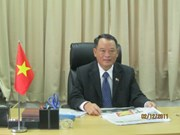 Singapore Senior Minister visits Vietnam