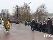 Party chief meets Russian war veterans and officials