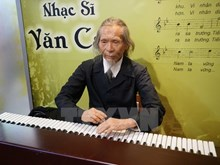 Wax statues of Vietnamese artists on show in HCM City