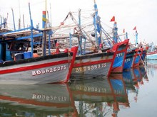 Fishermen seize opportunity to develop tourism