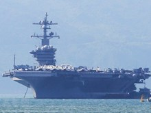 US's aircraft carrier USS Carl Vinson visits Da Nang