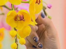 The art of making clay flowers