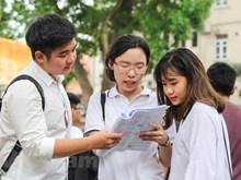 Nearly one million Vietnamese students enter national high school exam