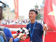 Vietnamese kids join football event on Red Square