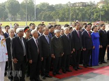 Tribute paid to President Ho Chi Minh on birth anniversary