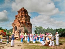Ninh Thuan seeks to preserve Cham musical heritage