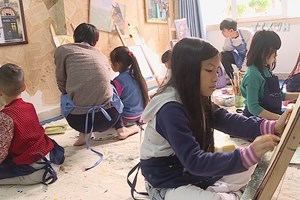 Drawing class brings fine arts closer to community