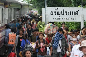 Thailand, Malaysia, Singapore draw ASEAN migrant workers