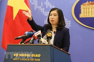 Vietnam asks China to maintain peace in East Sea